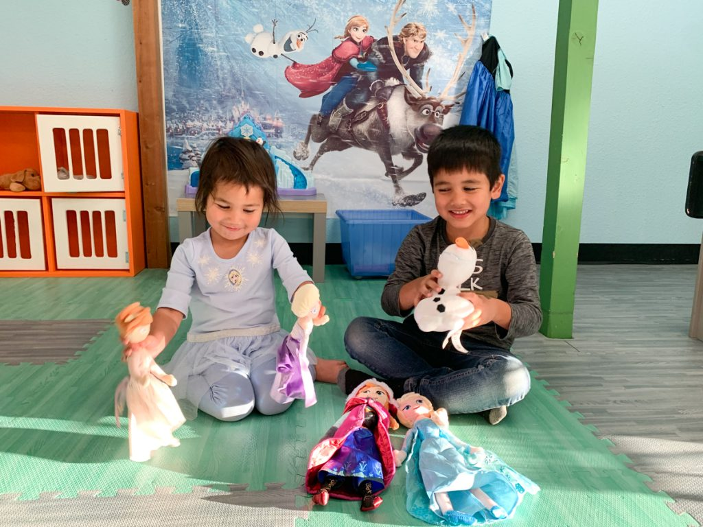 Frozen Pretend Play